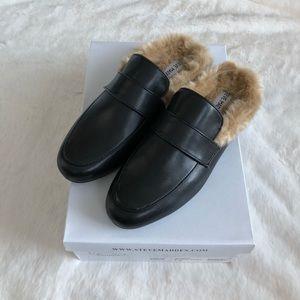 Steve Madden Black Leather Kaden Fur Mule